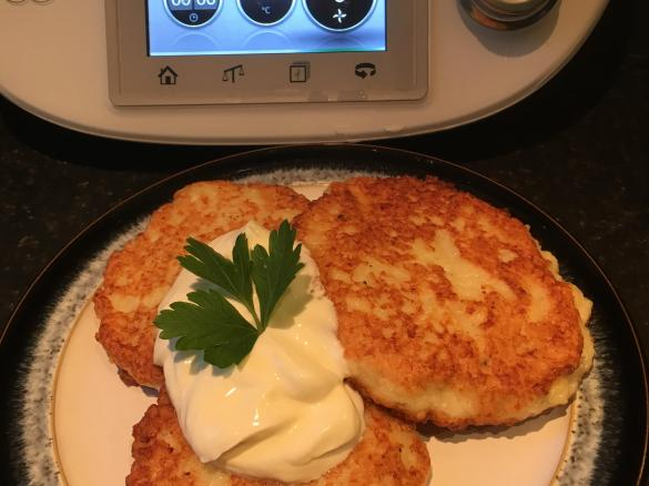 Potato Pancakes By Tatjana435 A Thermomix Sup Sup Recipe In The Category Main Dishes Others On Www Recipecommunity Co Uk The Thermomix Sup Sup Community